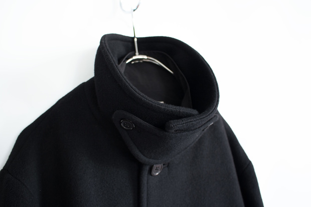 White lineのTasmania Wool Layered Coat